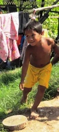 маленькие дети в камбодже