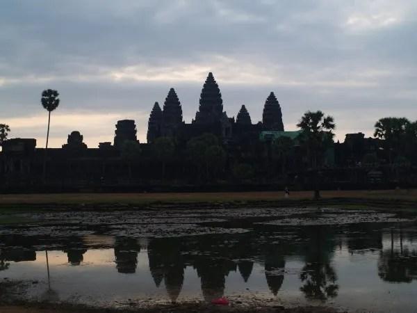 Ангкор и дальние храмы за 2 дня