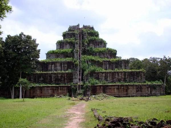 13-Пирамида в Камбодже