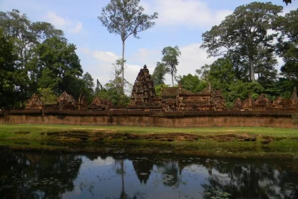 храм в камбодже бантей срей