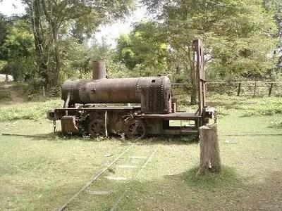 старый паровоз лаос