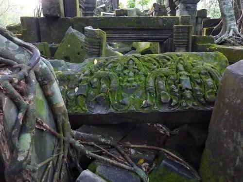 рельеф храма банг мелеа