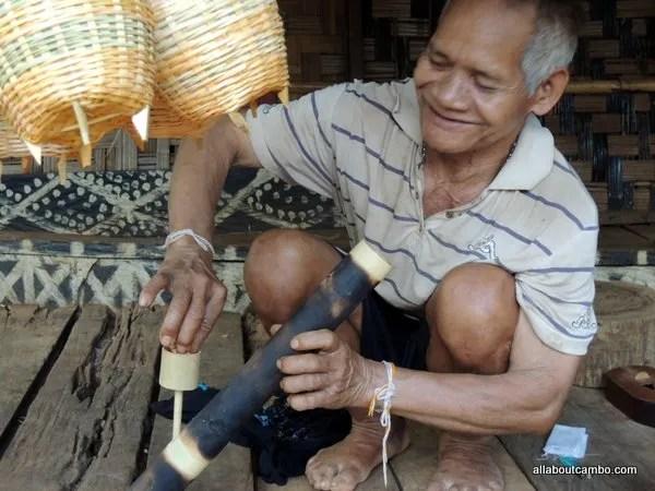курение травы в Лаосе