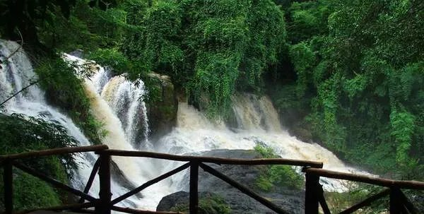 PHA-SUEA-водопад
