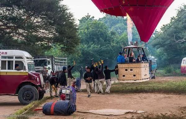 Баган полет на воздушном шаре