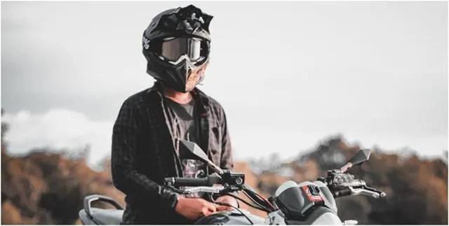 Dual-sport helmet