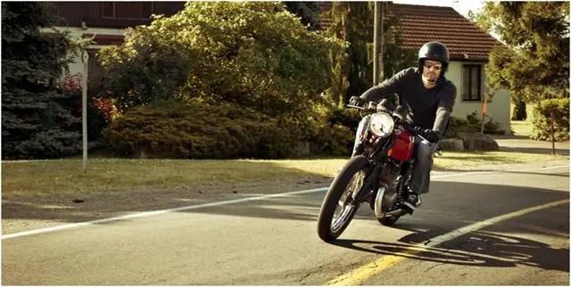 Motorcycle helmet types
