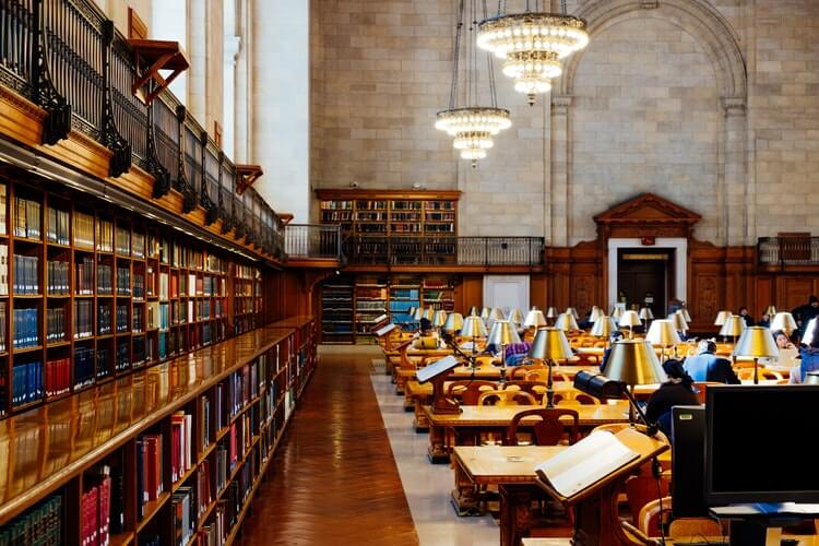 The reading room at New York City Library. Read more on www.allaboutrosalilla.com