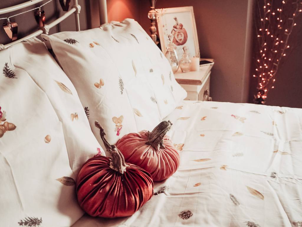 Bedroom decor for Fall