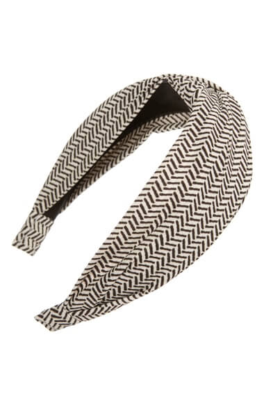 Knotted Herringbone Print Headband. Ten of the best hair accessories online. Read more on www.allaboutrosalilla.com