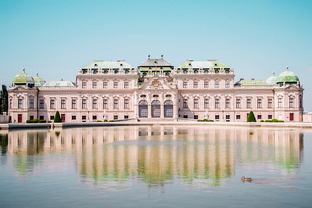 Belvedere Palace. The best things to do in Vienna. Read more on www.allaboutrosalilla.com