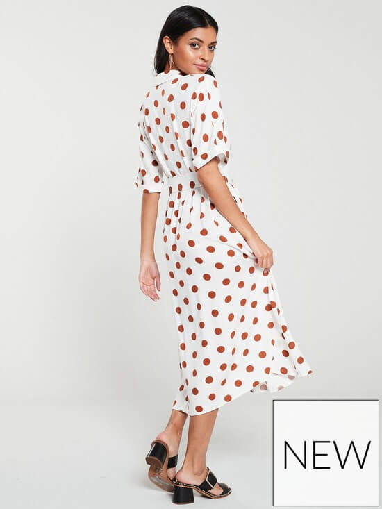 What to pack for the Cotswolds V by Very Polka Dot dress. Read more on www.allaboutrosalilla.com