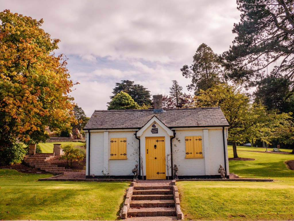 Cottage on the grounds of Culloden Estate