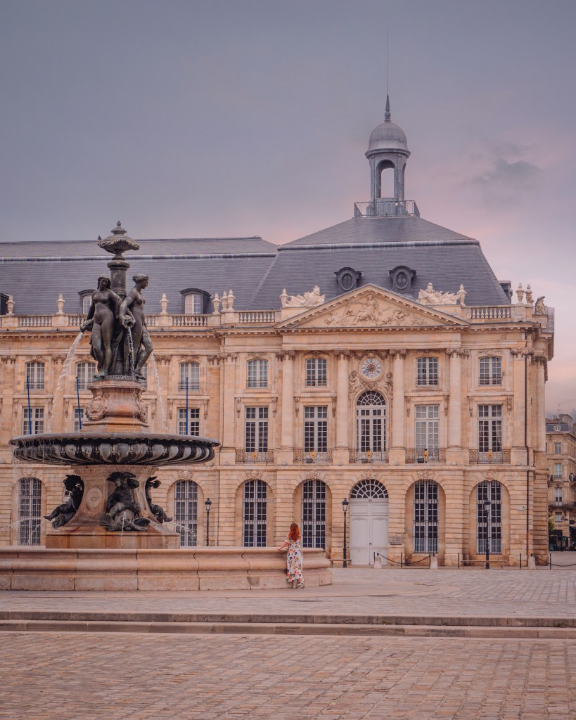 Visit the fairytale architecture of the city during your Bordeaux itinerary