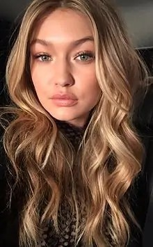 Gigi Hadid Warm Blonde Hair