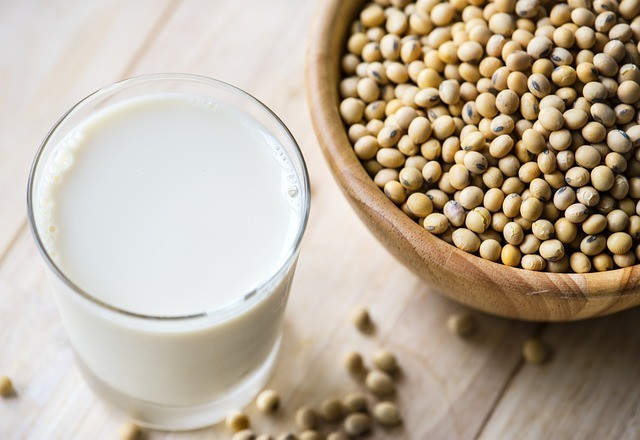 soy protein TOP 5 MOST ECO-FRIENDLY PROTEIN SOURCES