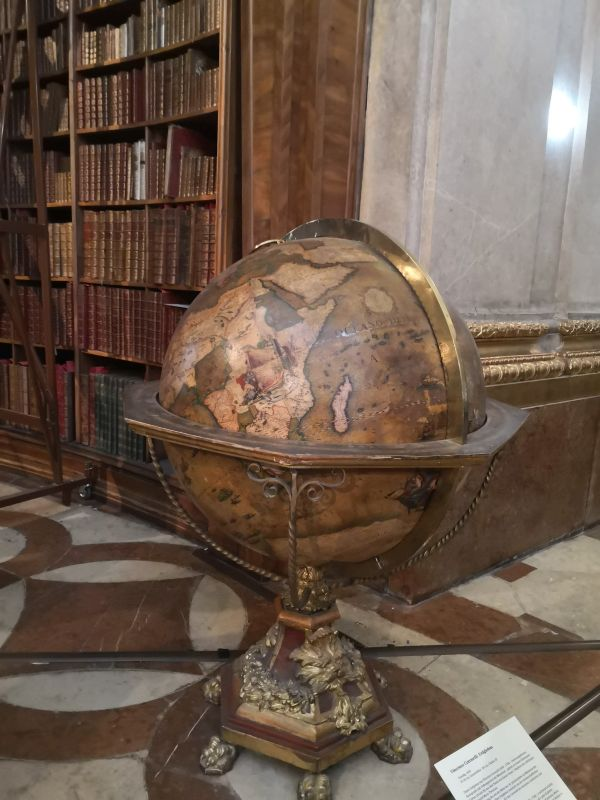 Austrian National Library - globe
