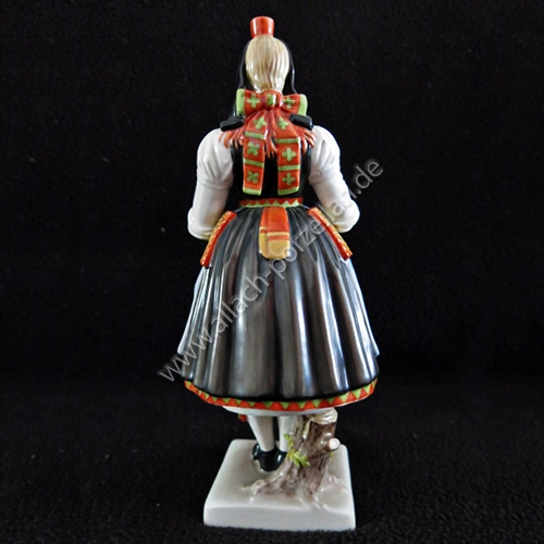 53 Hessian female peasant, painted - view from back