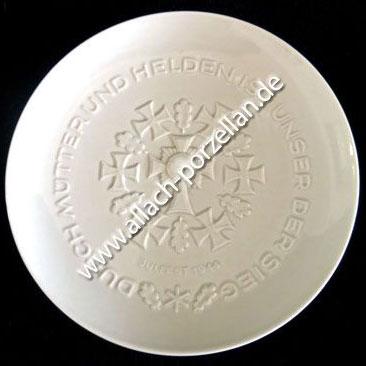 Presentation Yule Plate 1944