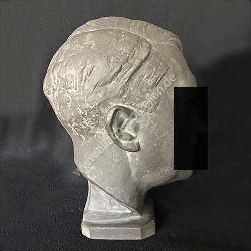 K8 AH bust - view from left