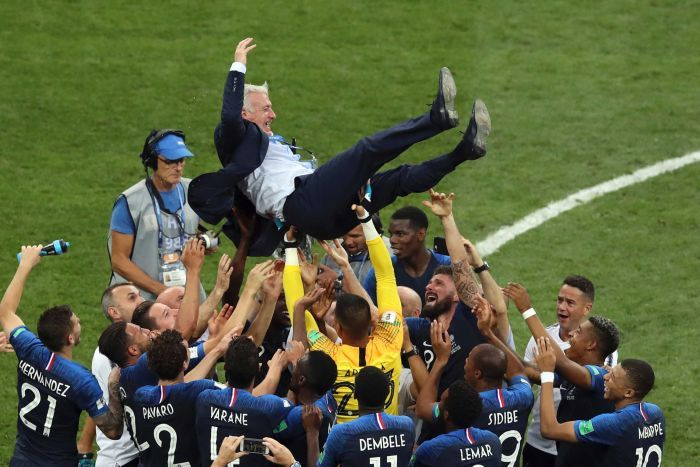 World-cup-france-trophy-win-didier