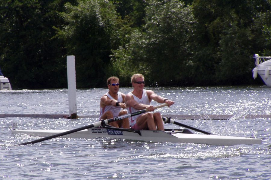 Purportedly Coxless Pair
