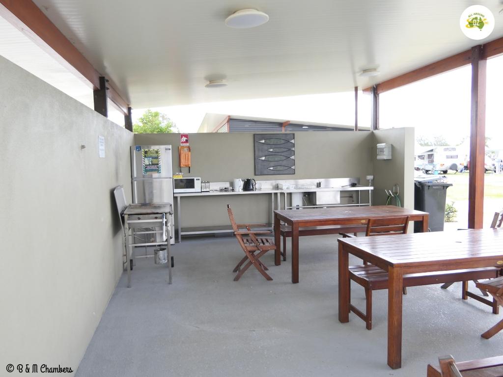 Rivershore Resort - Camp Kitchen