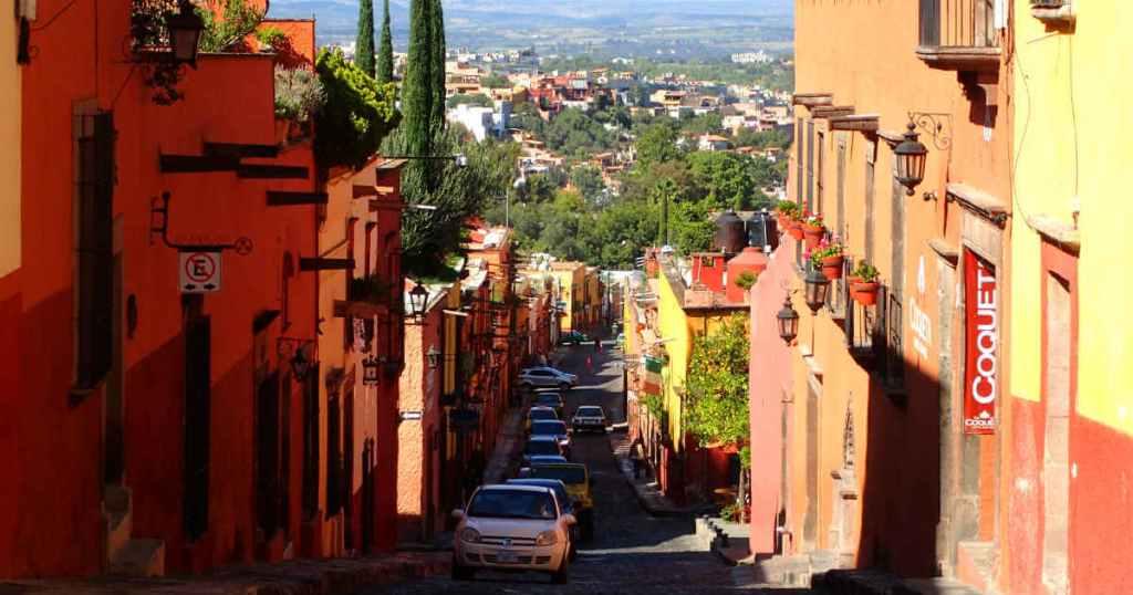 サンミゲルデアジェンデの街並み散歩