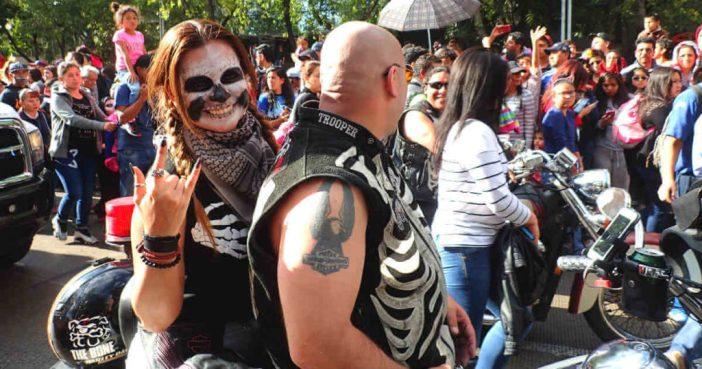 死者の日のパレード(メキシコシティ)