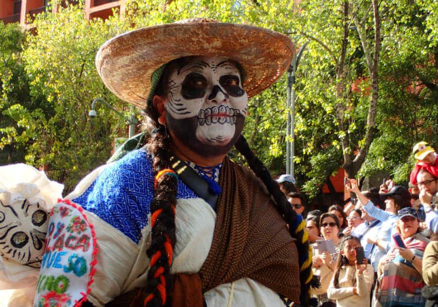 死者の日パレード