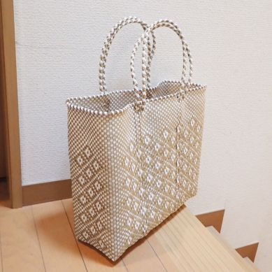 自立するプラスチックバッグ