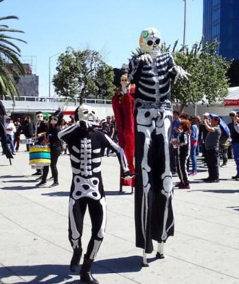 背の高い骸骨(メキシコ)