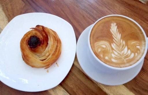 A.M. Siempre Cafeのコーヒーとスイーツ