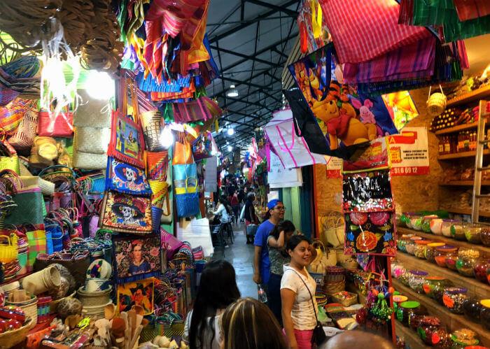 オアハカの市場(ベニートフアレス)