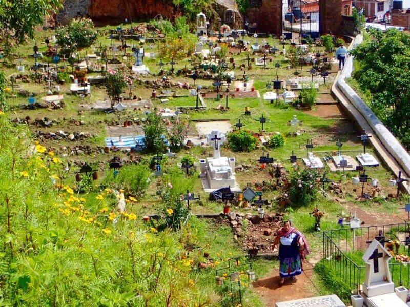 ハニツィオ島の墓地