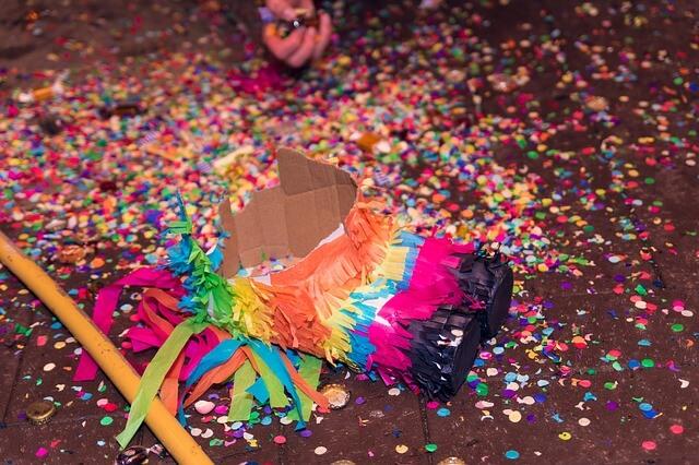 子供大喜び!メキシコ発のピニャータゲームでパーティーを盛り上げよう ...