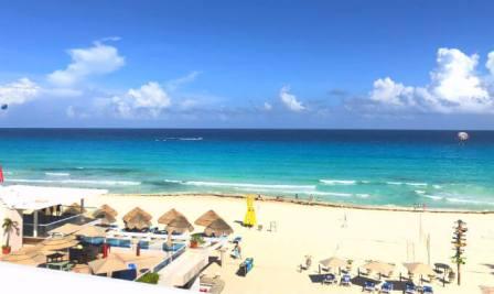 グランカリベ(パナマジャック)ホテルのビーチ