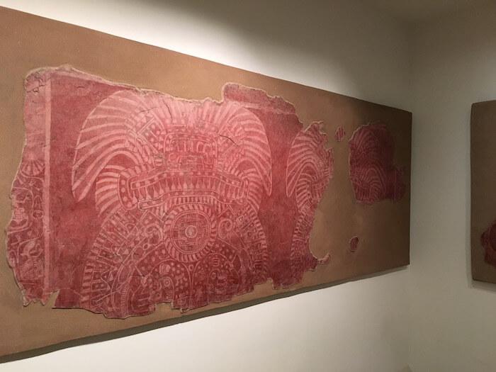 テオティワカン遺跡の壁画博物館 真っ赤な絵