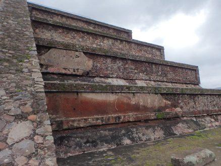 テオティワカン遺跡のケツァルコアトル神殿