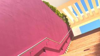 ハイアットジーヴァのピンクの階段