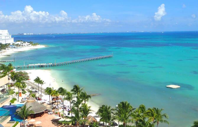 フィエスタアメリカーナコーラルビーチカンクン (9)部屋から見たビーチ