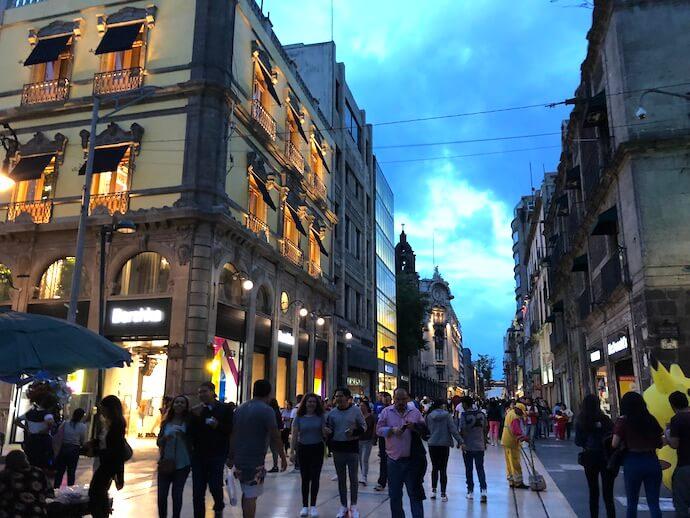 メキシコシティ夜の歴史地区1