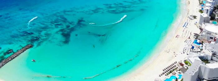 ヘリコプターツアー(カリブ海)