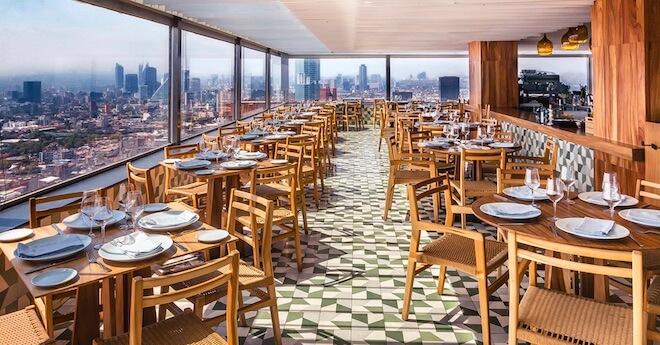 ラテンアメリカタワーのレストラン