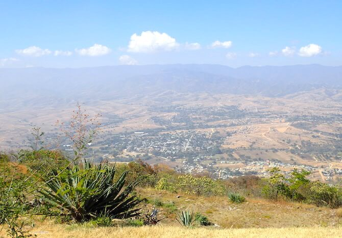 オアハカのモンテアルバンからの景色