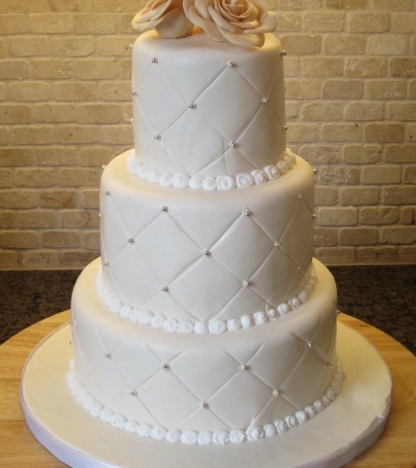 Three Types of Wedding Cakes