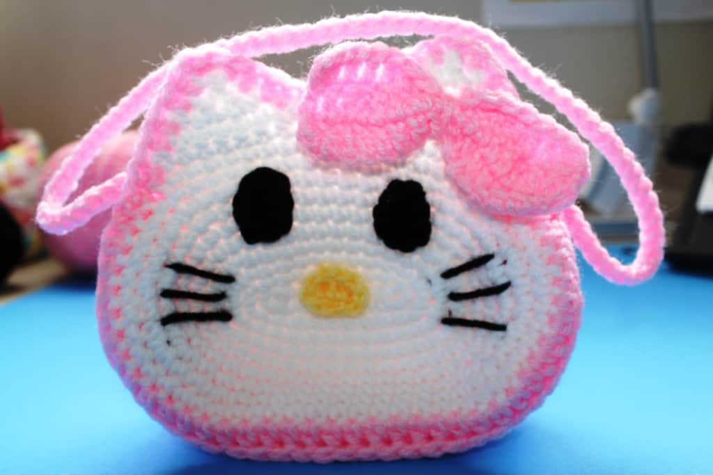 How i sew Mini hello kitty crochet - YouTube | 683x1024