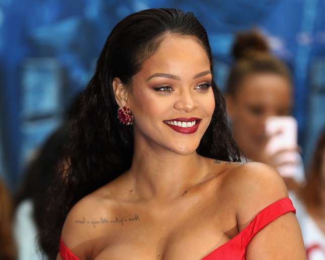 RIHANNA IS SUING HER FATHER FOR USING HIS OWN NAME!