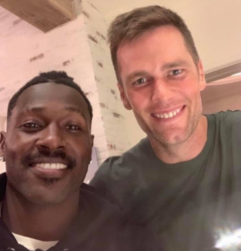 ANTONIO BROWN WORKING OUT AT TOM BRADY'S TB12 SPORTS FACILITY