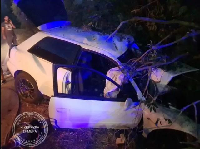 Τραγωδία στην Κέρκυρα: Νεκρός 21χρονος και σοβαρά τραυματίας 18χρονος[photos]